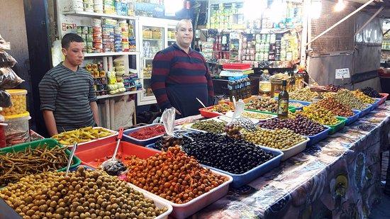 Alger, Argelia: local market