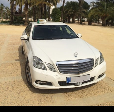 Punta Umbria, Spain: Taxi Mercedes-Benz clase E