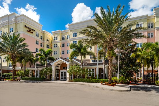 Port Saint Lucie, FL: Our all-suite hotel is conveniently located in West Port St. Lucie.