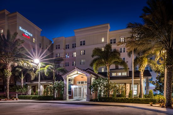 Port Saint Lucie, FL: Residence Inn Port St. Lucie offers complimentary WiFi, daily breakfast, and parking.