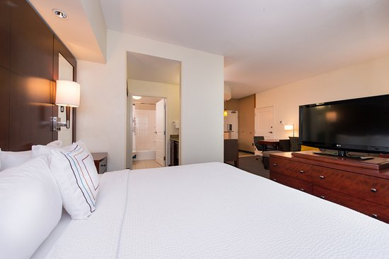 Port Saint Lucie, FL: The studio suites offer more space than standard hotel rooms.