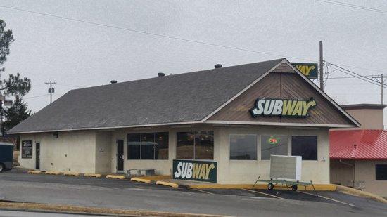 Mannford, OK: Subway from across the street