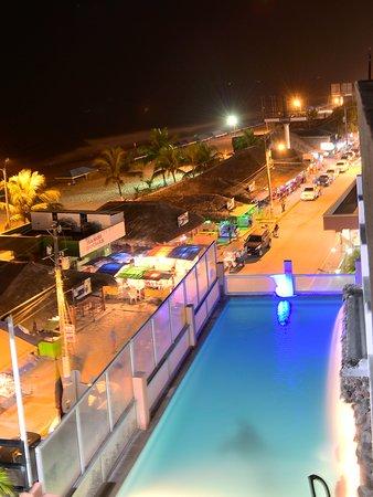 Hotel la barca desde atacames ecuador for Follando en la piscina del hotel