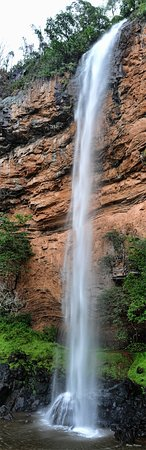 ซาบี, แอฟริกาใต้: The 146 m Bridal Veil Falls following rains in the catchment area.