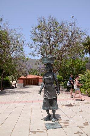 Santa Lucía, España: Rzeźba kobiety wiejskiej