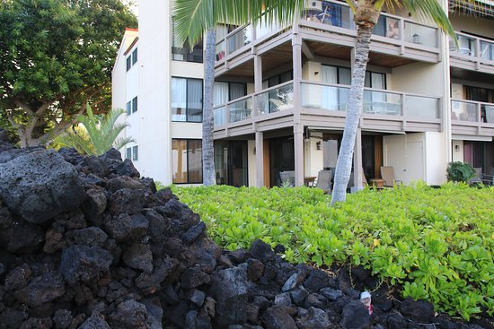 Keauhou Kona Surf & Racquet Club: view of our ground floor corner unit
