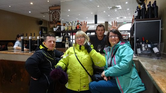 Limoux, France : Friendly atmosphere!
