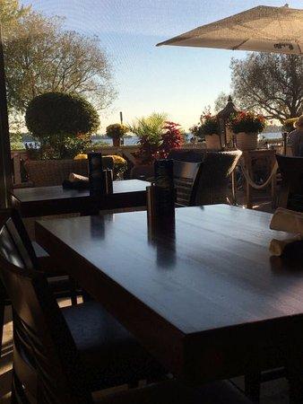 Wayzata, MN: beautiful patio
