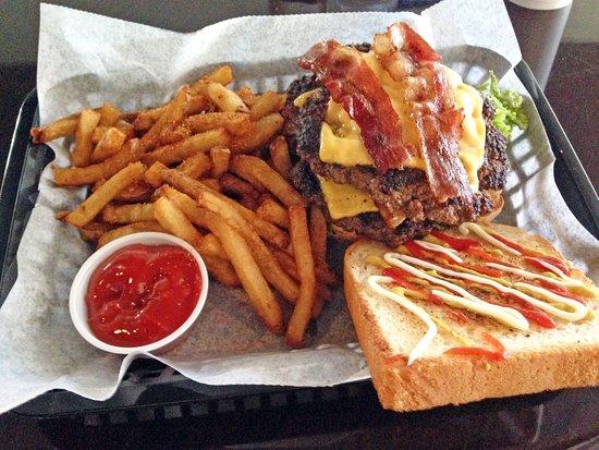 Troy, AL : Bacon cheeseburger was delicious