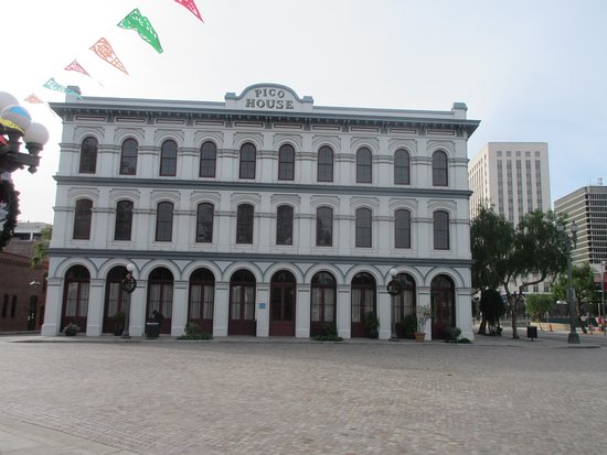 Pico House: Here is the front looking from the Plaza