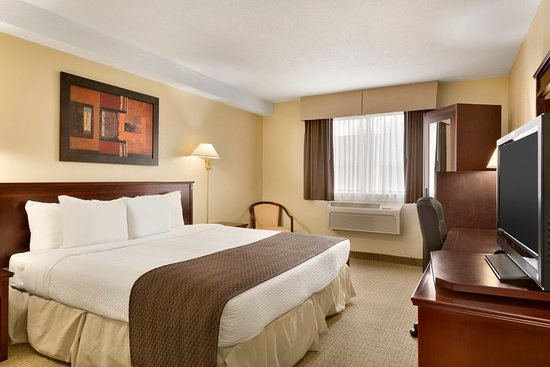 Days Inn Wallaceburg: 1 King Bed Room