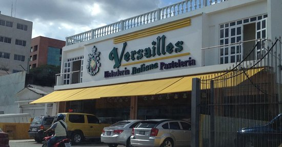 Lexington Suites : Heladería y pastelería Versailles
