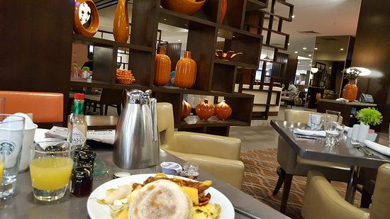 the breakfast buffet and lobby and lobby bar picture of marriott rh tripadvisor co uk breakfast buffet st louis county breakfast buffet st louis mo