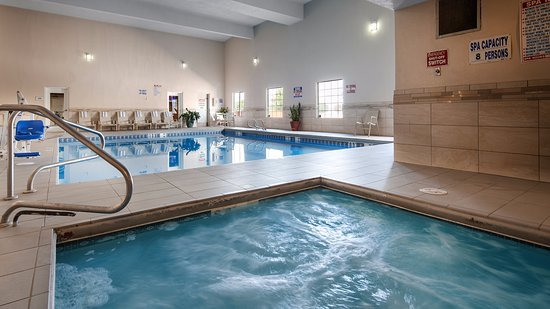 Best Western Plus Executive Suites: Pool and Hot Tub