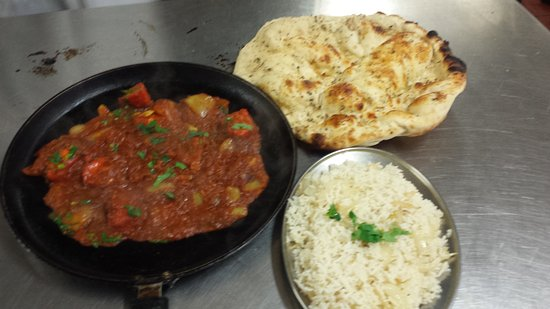 Eccles, UK: balti special thaawa. garlic nan nd onion rice
