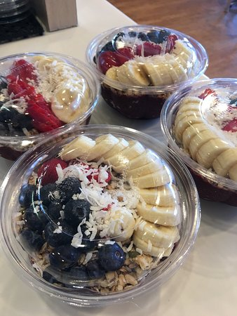 ‪‪San Rafael‬, كاليفورنيا: Wow! Best smoothie shop. Great ACAI bowls. I recommended !‬