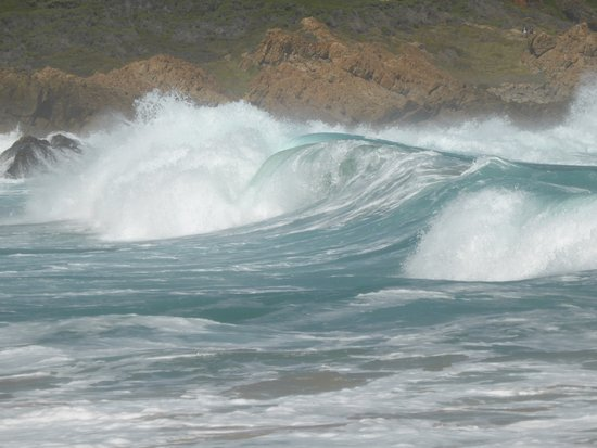 Plettenberg Bay, Sudáfrica: More breakers.