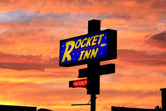 Rocket Inn: Stunning! Sunsets & sunrises
