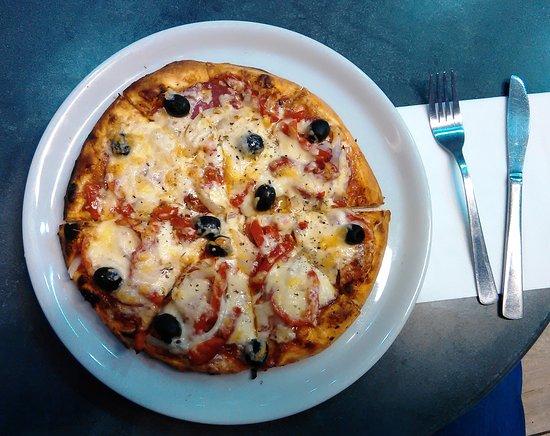 Wetzlar, Germany: Die recht schwache Pizza