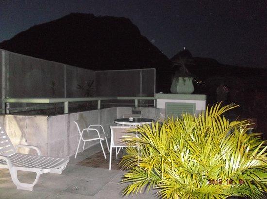 Benidorm Palace Hotel: La terrasse vue de nuit