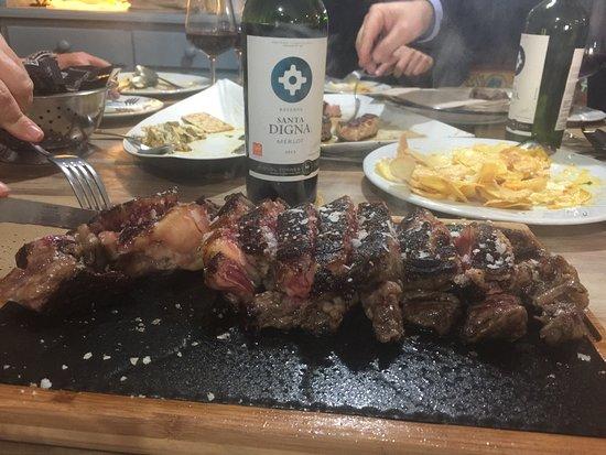 Los Palacios y Villafranca, Spain: Carne de wagyu espectacular!!!! Los guisos buenos me qu de con ganas del judion de la granja.. p