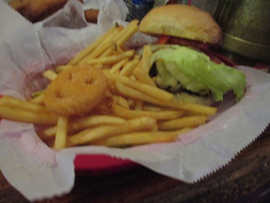 Center City, MN: California Burger with Fries