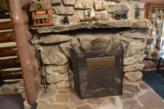 Leber's Log Cabins: Cabin 7
