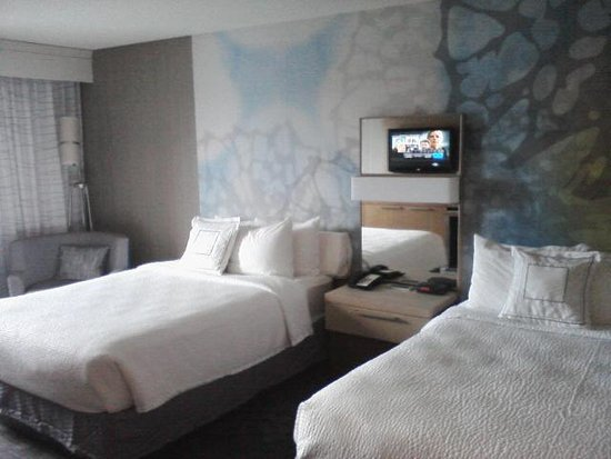 Courtyard Detroit Pontiac/Auburn Hills: Nice new room interior