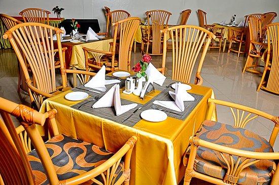 PrideInn Hotel Raphta: Restaurant..