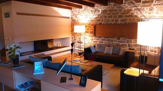 Hotel Rural Torre de Uriz: le salon de l'hotel