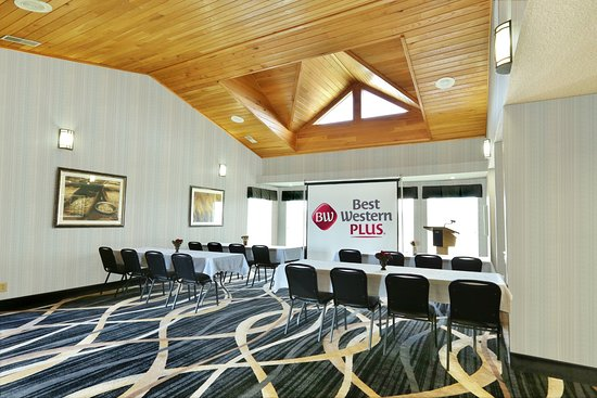 Banquet Hall Conference Center Lobby Is Perfect For Smaller Corporate Party Events Picture Of Best Western Plus Washington Hotel Tripadvisor