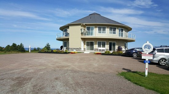 Charlottetown, Canadá: The World's First Rotating House