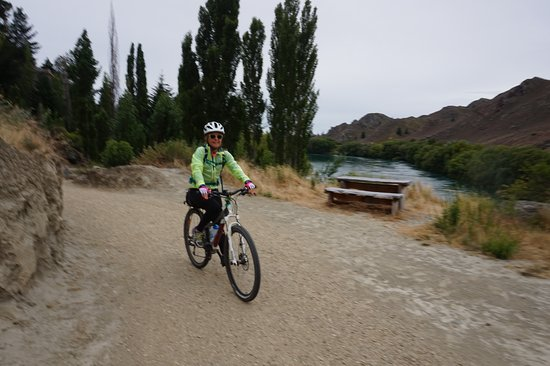 Clyde, New Zealand: Having fun in Roxburgh Gorge
