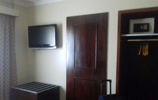 Kenton Palace Hotel Photo