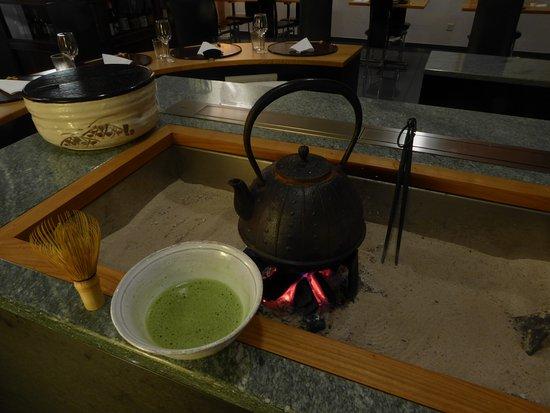 Widen, สวิตเซอร์แลนด์: Matcha Tee auf IRORI