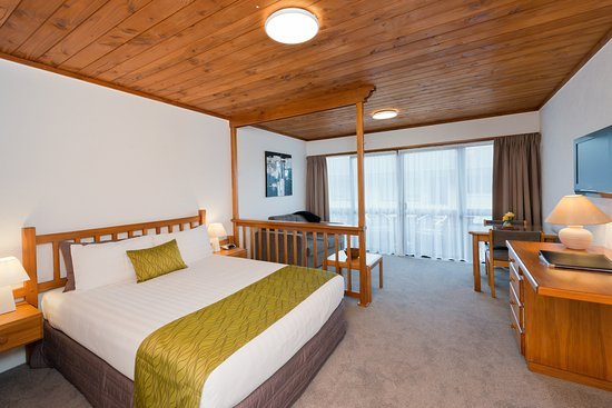 Swiss Chalet Lodge Motel: Sunny Studio