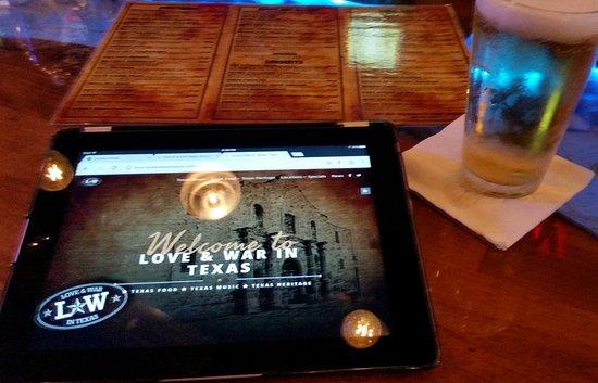 Lindale, TX: at the bar