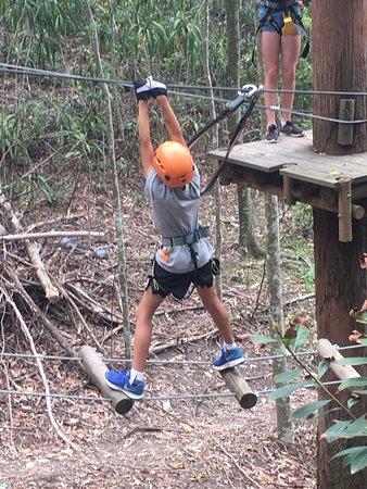 Guldkusten, Australien: My grandson taking on one of the many challenges