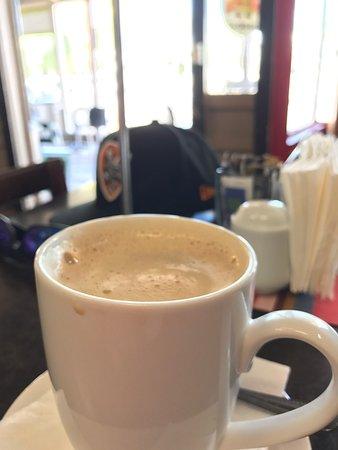 Gayndah, Australia: The coffee is good!