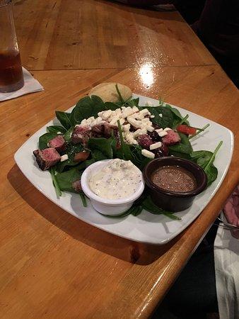 Niceville, FL: Mediterranean Steak Salad