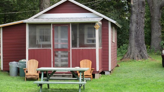Pinehurst Motel and Cottages: Our cottage
