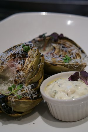 Rancho Cordova, CA: Grilled artichoke with garlic aioli