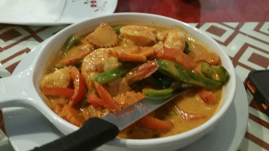Austell, Georgien: Thai hot shrimp scallop curry and pad thai