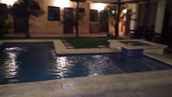 Hotel La Pergola: IMG_20170109_193250_large.jpg