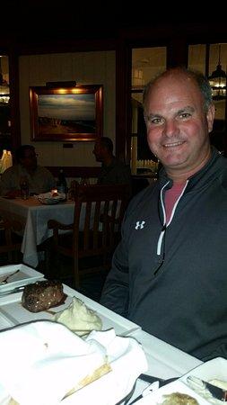 Yachtsman Steakhouse: 10 oz black angus Filet Mignon