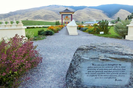 Garden Of One Thousand Buddhas Picture Of Garden Of One Thousand Buddhas Arlee Tripadvisor