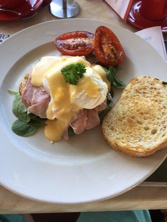 Cooroy, Australien: Eggs benedict
