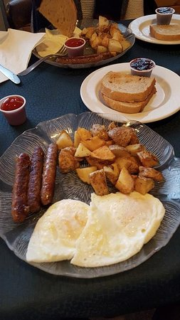 Wiarton, Canadá: Breakfast with all the classics
