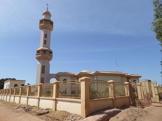 Серекунда, Гамбия: 外観から