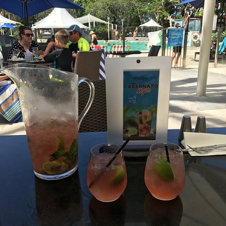 Benowa, Αυστραλία: Great way to spend a Saturday afternoon by the pool, enjoying the Cabernato Mojito! Delicious dr